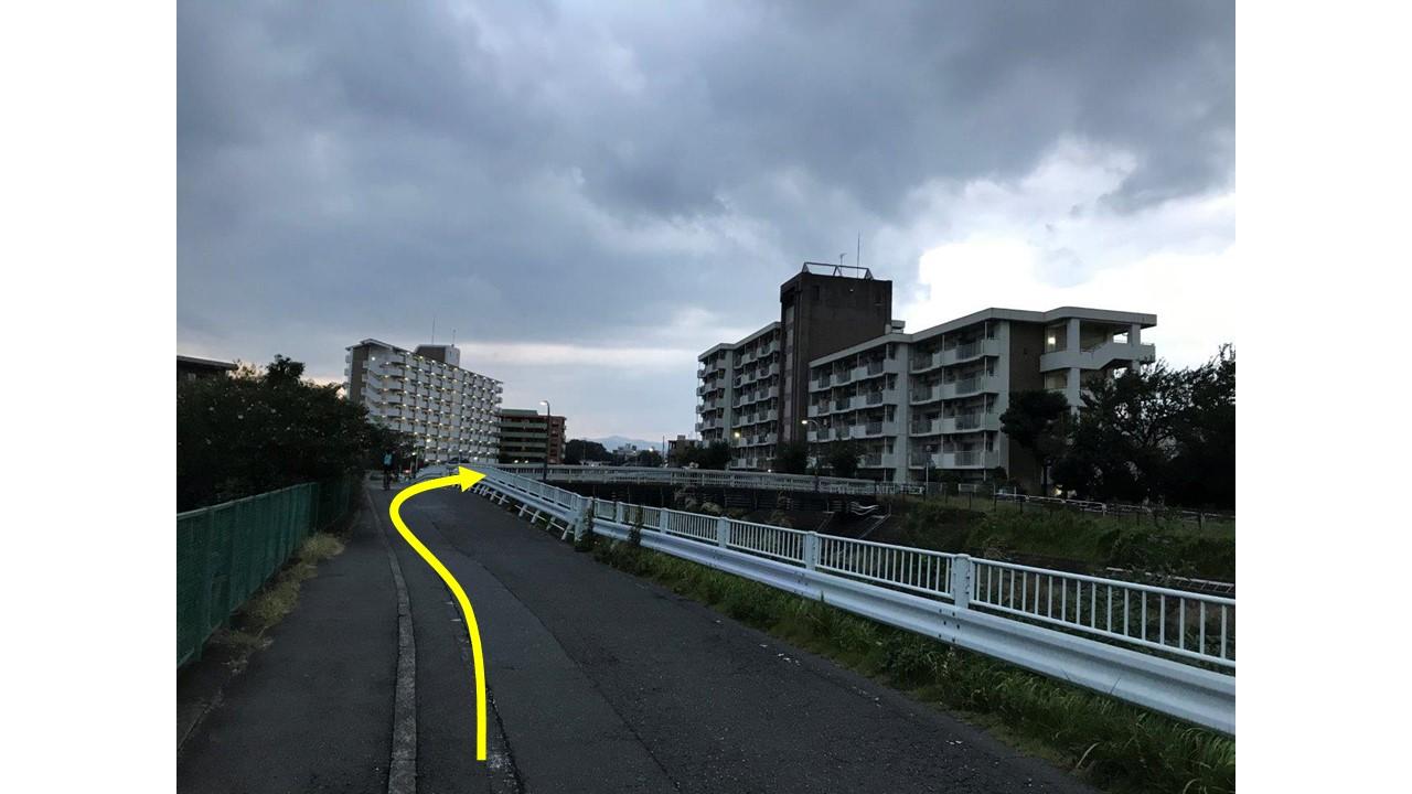 栄橋右折ポイント