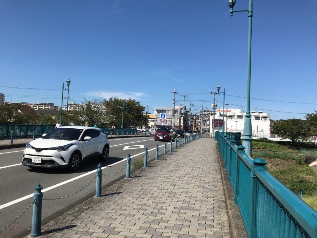 横山橋ローソンへ