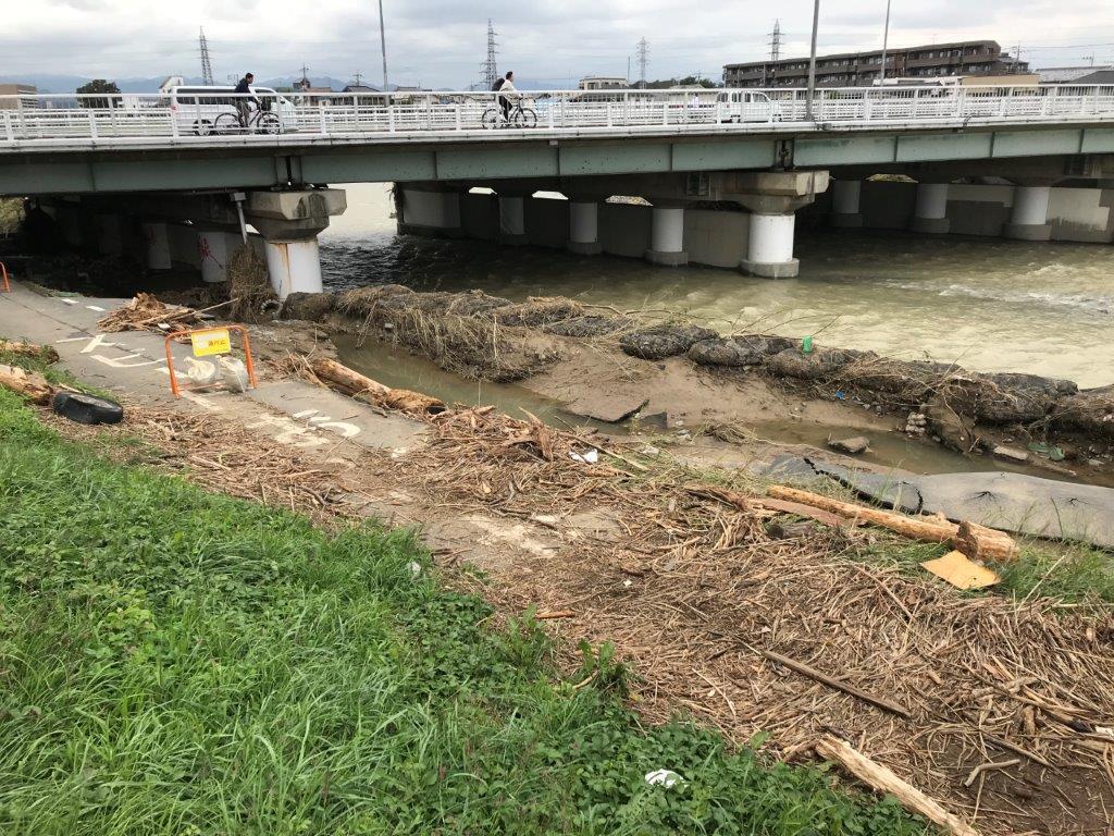 浅川橋サイクリングロード崩落