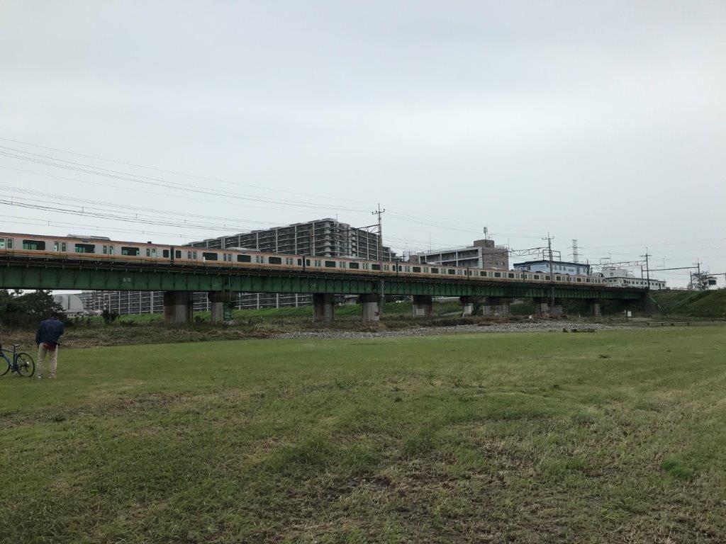 多摩川サイクリングロード中央線鉄橋