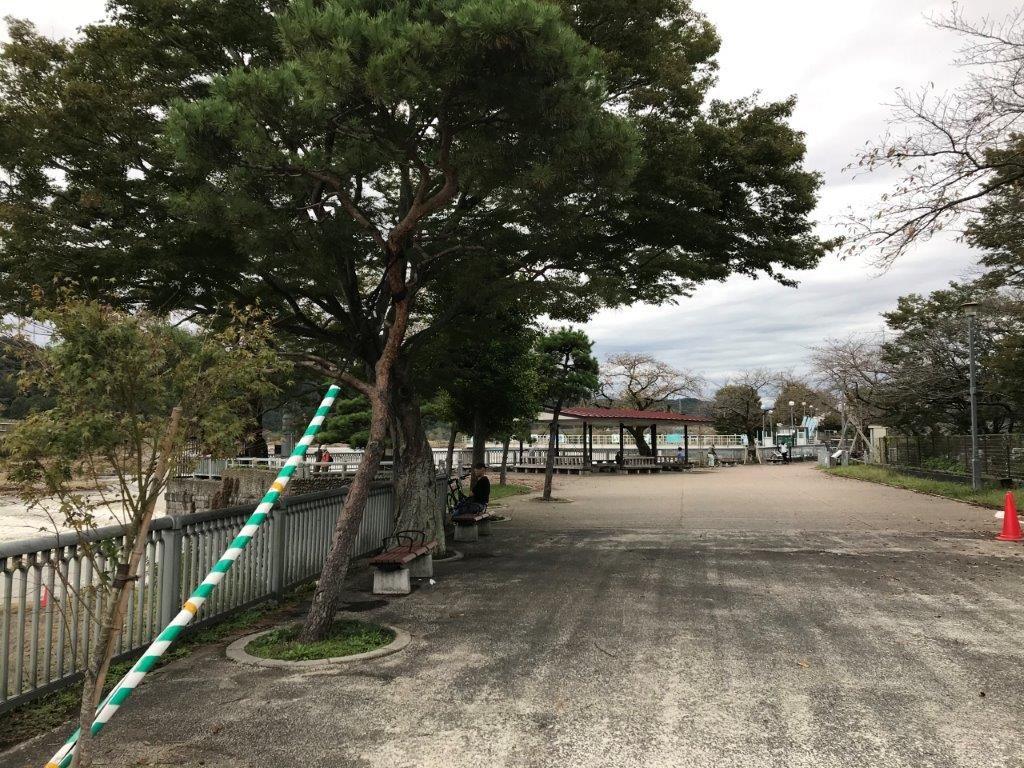 羽村取水堰休憩所