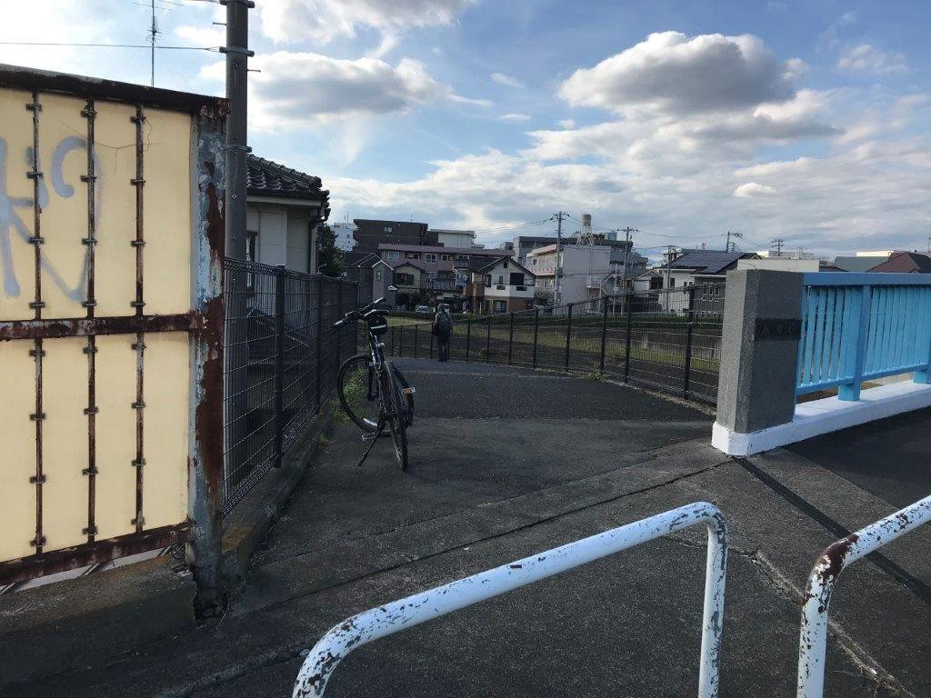 春日橋サイクリングロード入口