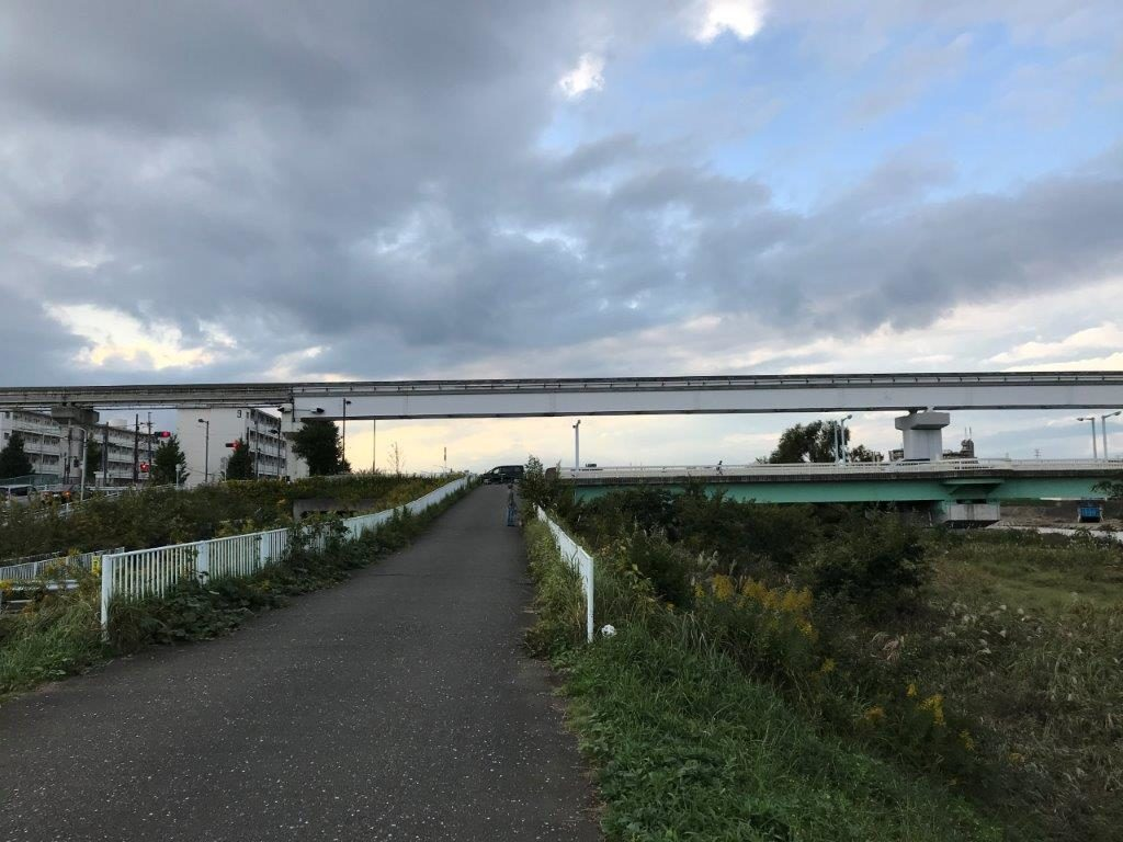 新井橋を府中方面から