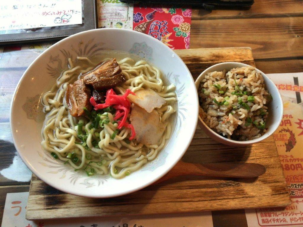 沖縄そばと炊き込みご飯2020.02.04